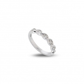 18WG 0.15CTW Diamond Ring